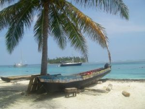 a sunny say in the San Blas Islands